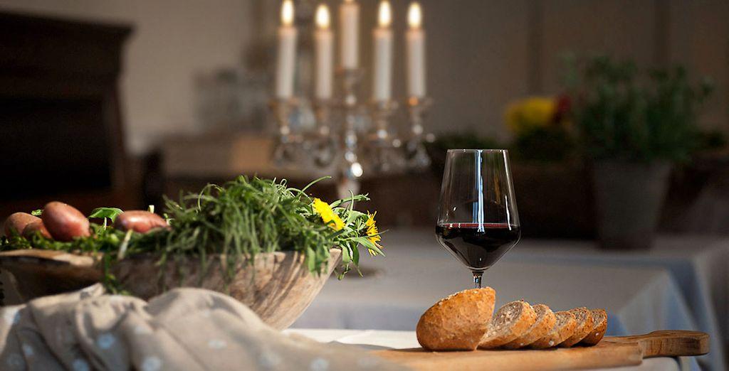 il ristorante propone anche cene e pranzi con ingredienti dell'Altopiano genuini