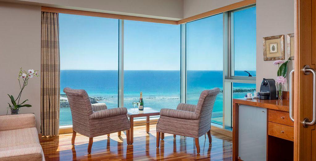 Potrete soggiornare in Suite con vista Panoramica direttamente affacciata sul blu dell'Oceano