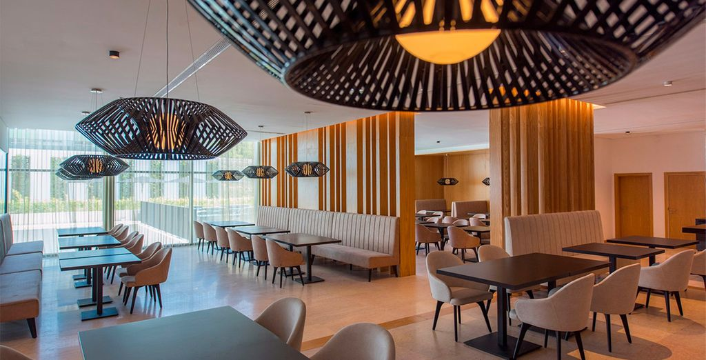 Al ristorante Luz gusterete piatti internazionali e della cucina tipica locale