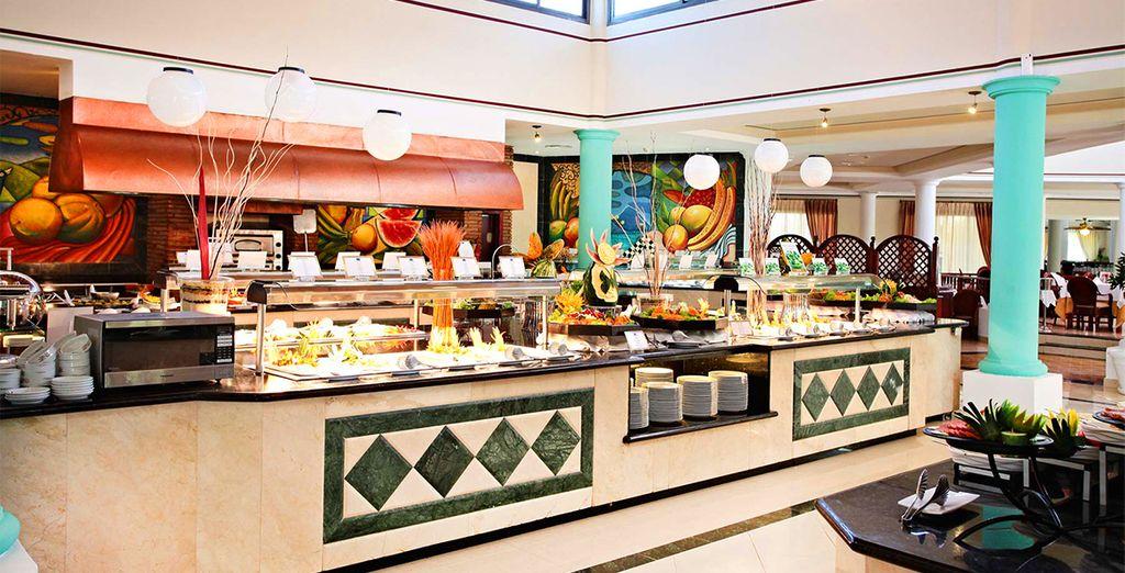 Il ristorante principale con servizio a buffet