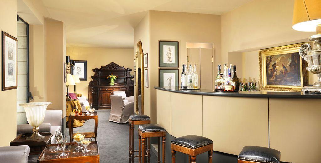 o l'elegante lounge bar