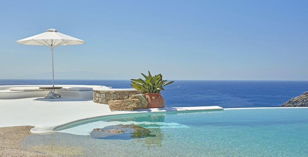 prima di godervi la bellissima piscina panoramica esterna
