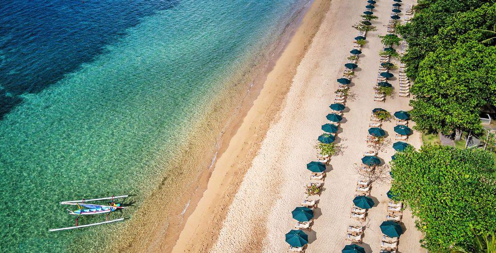 o trascorrete le vostre giornate presso la bellissima spiaggia che vanta un tratto privato per gli ospiti del resort