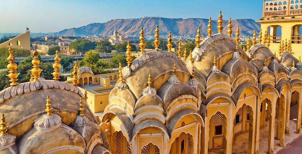 Costruito nel '700 è famoso per la sua incredibile facciata che secondo il volere del marajà doveva assomigliare alla corona della divinità Khrishna