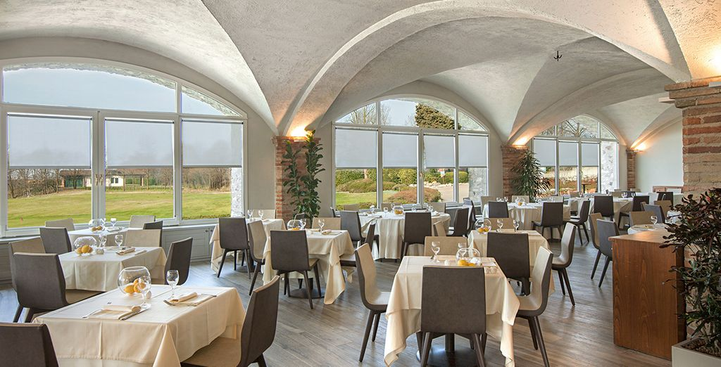 oppure la moderna location del ristorante Club House