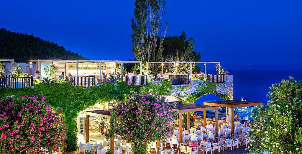 Scoprirete i sapori del posto gustando pietanze prelibate tipiche della Grecia