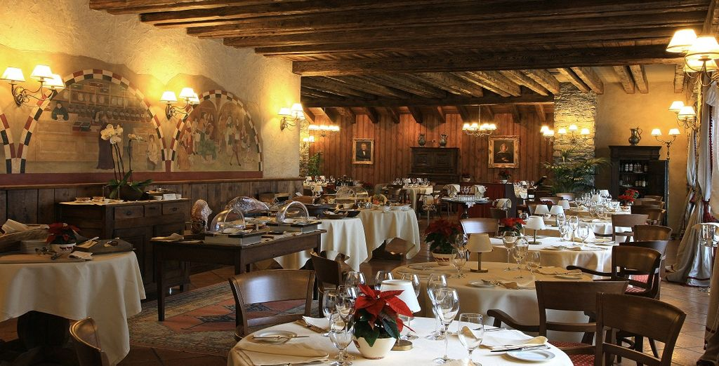 Potrete scegliere il ristorante La Fenêtre, grande e luminoso con le sue vetrate sul Monte Bianco