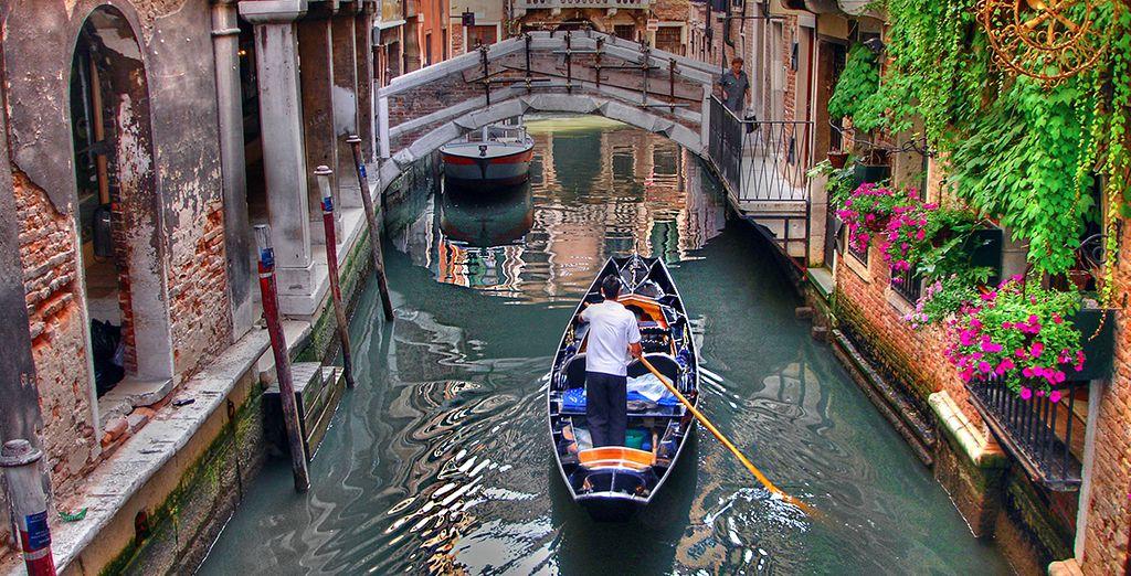 O godetevi una romantica giornata tra i canali di Venezia