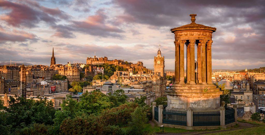 Fotografia della città di Edimburgo nel Regno Unito