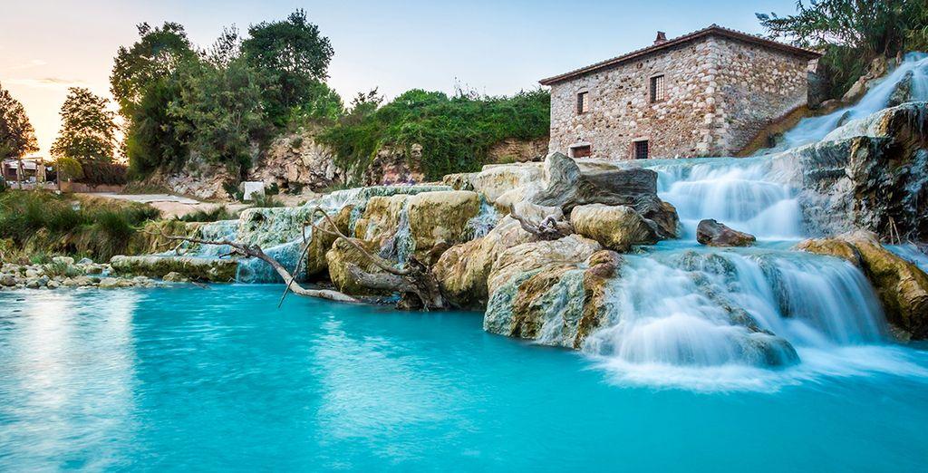 Fotografia di Grosseto e dei suoi maestosi paesaggi, cascate e acque turchesi