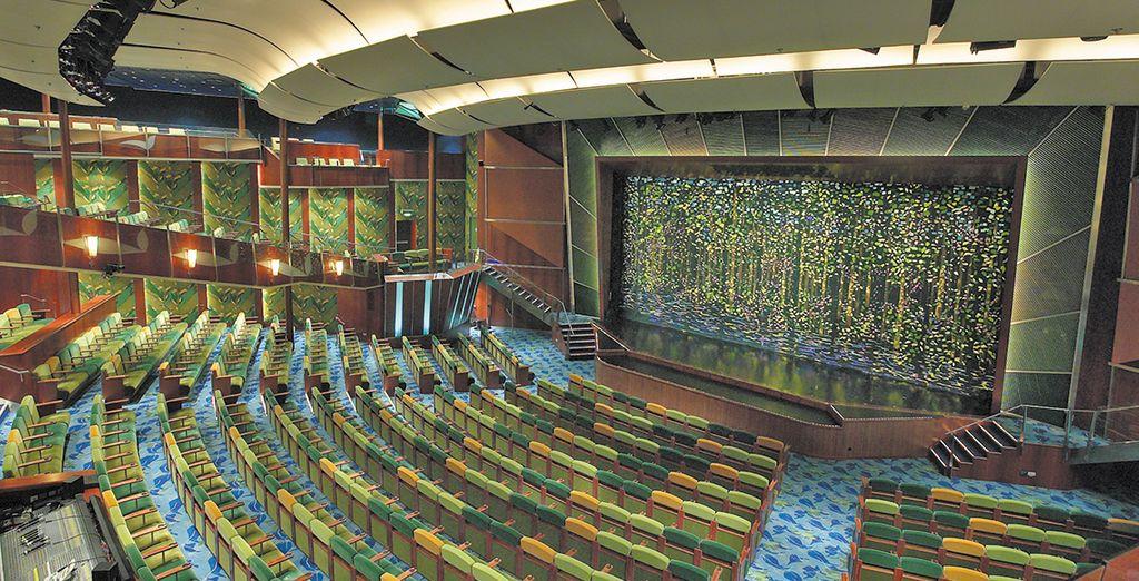 Vi attendono diverse attività ricreative e incredibili opportunità di intrattenimento come il teatro con i suoi spettacoli stile Broadway