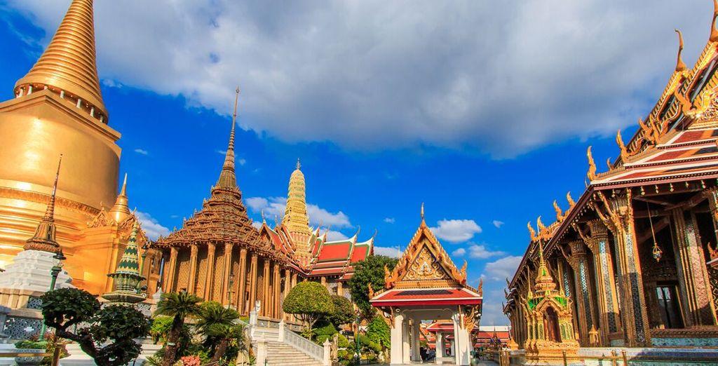 e Wat Phra Keo, il bellissimo Tempio del Buddha Smeraldo
