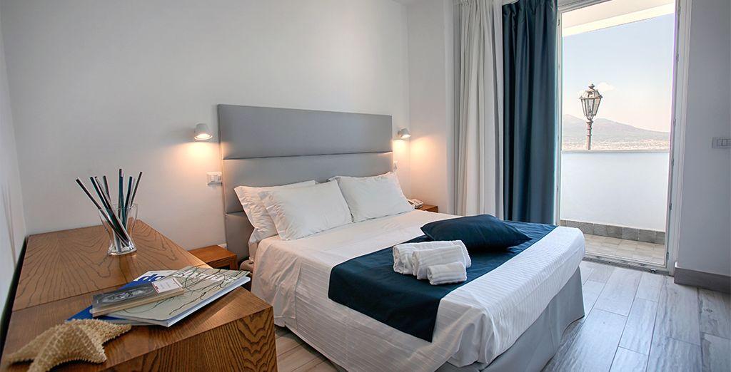 Hotel di lusso con una confortevole camera doppia 4 stelle, con vista panoramica su Sorrento e vicino a tutte le attività