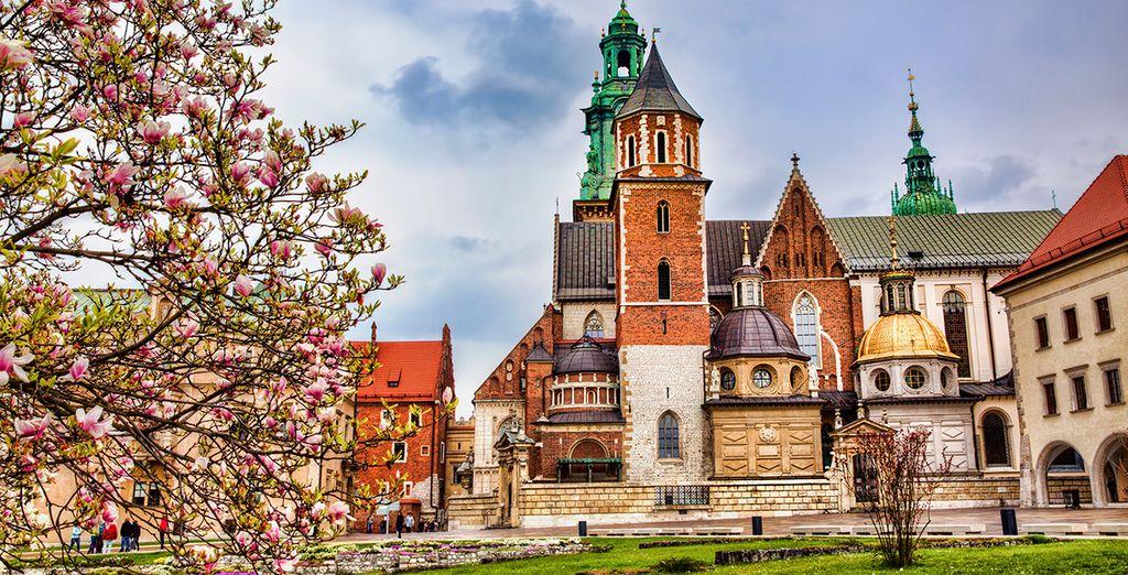 Fotografia della città di Cracovia in Polonia e della sua affascinante architettura