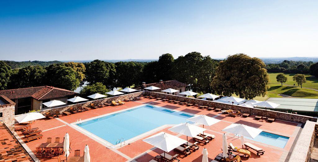 Con la bella stagione non perdetevi la meravigliosa piscina esterna