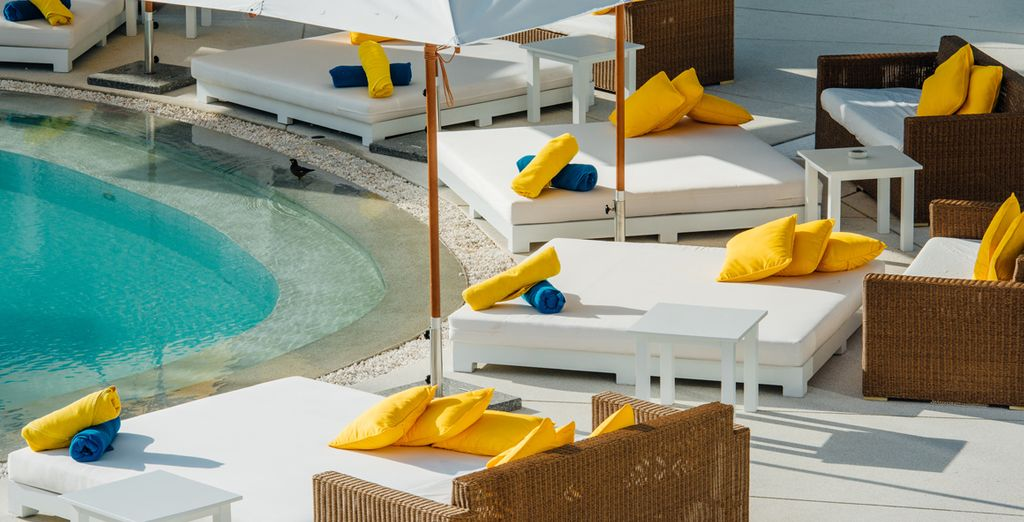Luogo di ritrovo e di relax proprio sulla bellissima Layan Beach