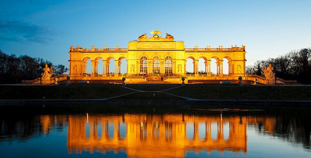 Vienna vi sta aspettando con la sua atmosfera romantica e aristocratica