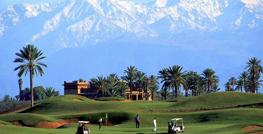 L'hotel dispone anche di un campo da golf con panorami unici