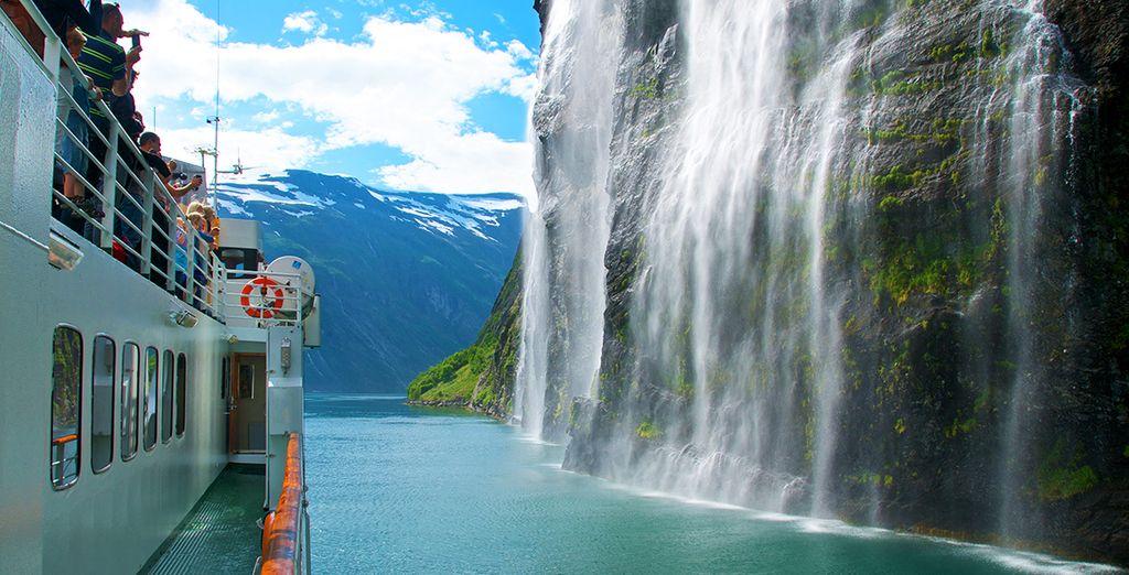 Crociera sui fiordi e scoperta delle cascate norvegesi