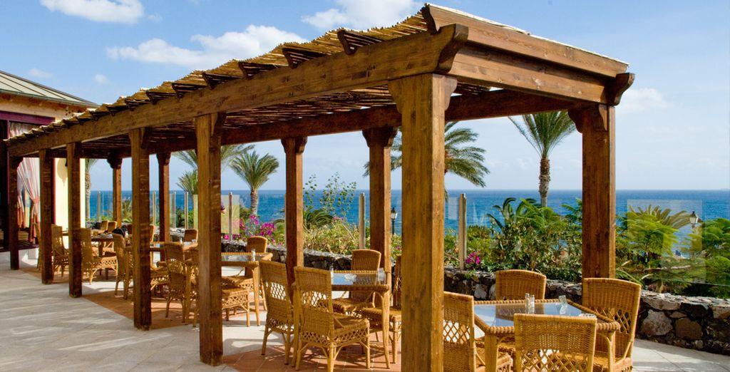 Neem plaats op het terras voor een aperitief