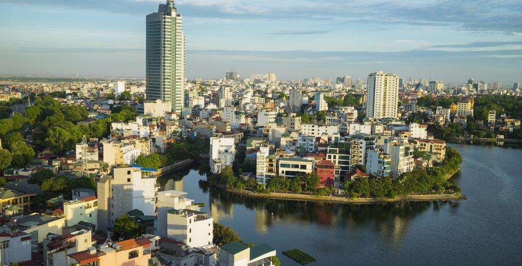 Ook een bezoekje aan de hoofdstad Hanoi mag niet ontbreken