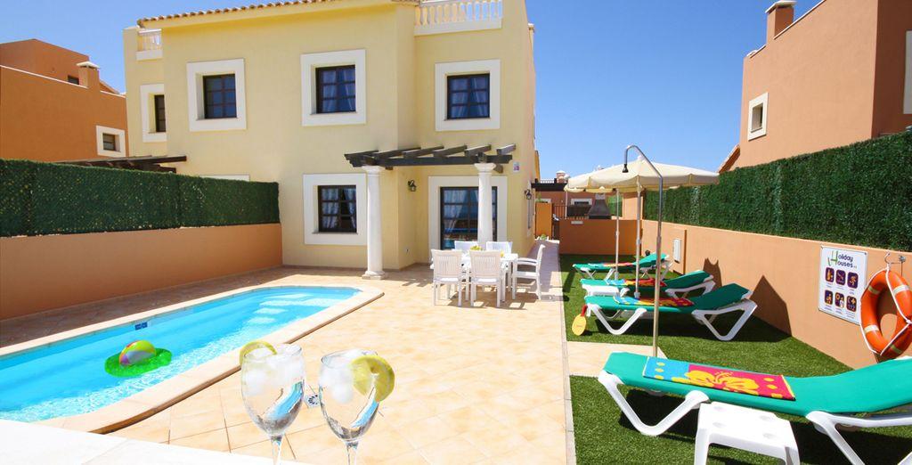 Een complex van verfijnde luxe villa's met verwarmde zwembaden