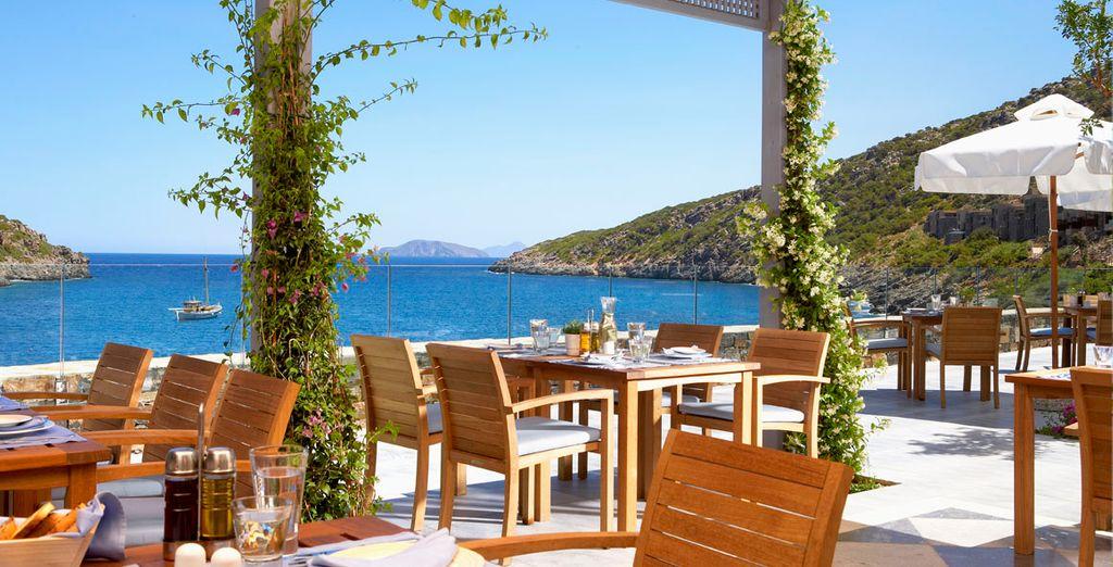 ... En geniet van een lunch op het terras