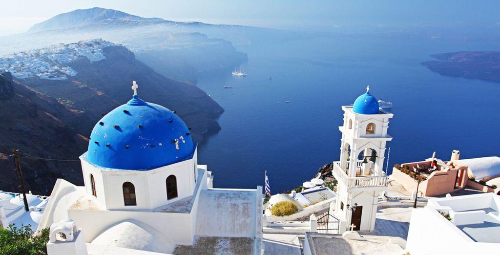 Ideaal gelegen met een prachtig uitzicht over Oia en de omgeving