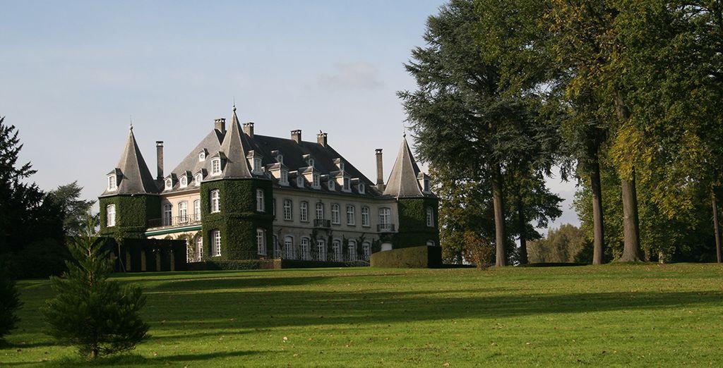 Tot aan het mooie park van het kasteel