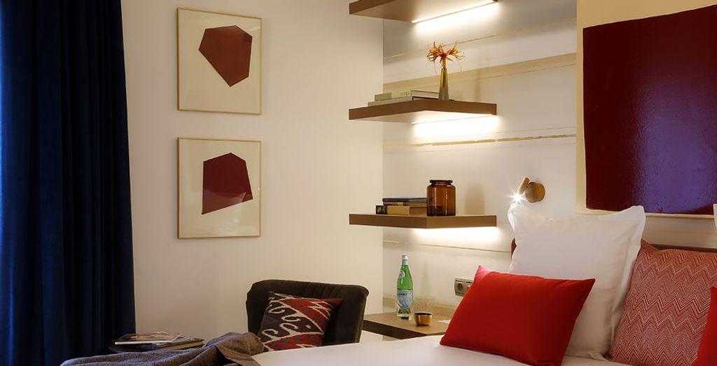 Treed binnen in uw gezellige en comfortabele kamer