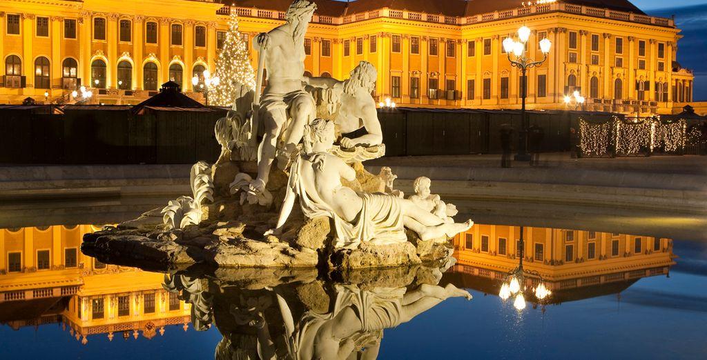 Verfijnde sculpturen sieren de stad