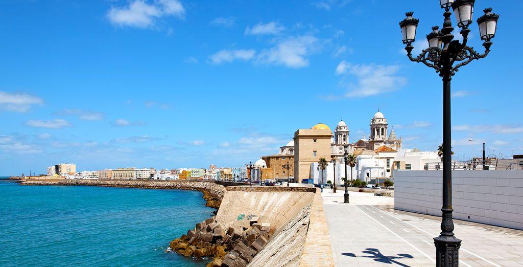 Verblijf in deze charmante havenstad in zuidwest Spanje