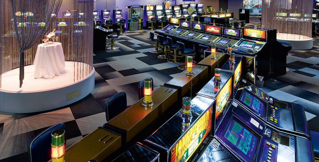 En om de avond af te sluiten waagt u een gokje in het casino