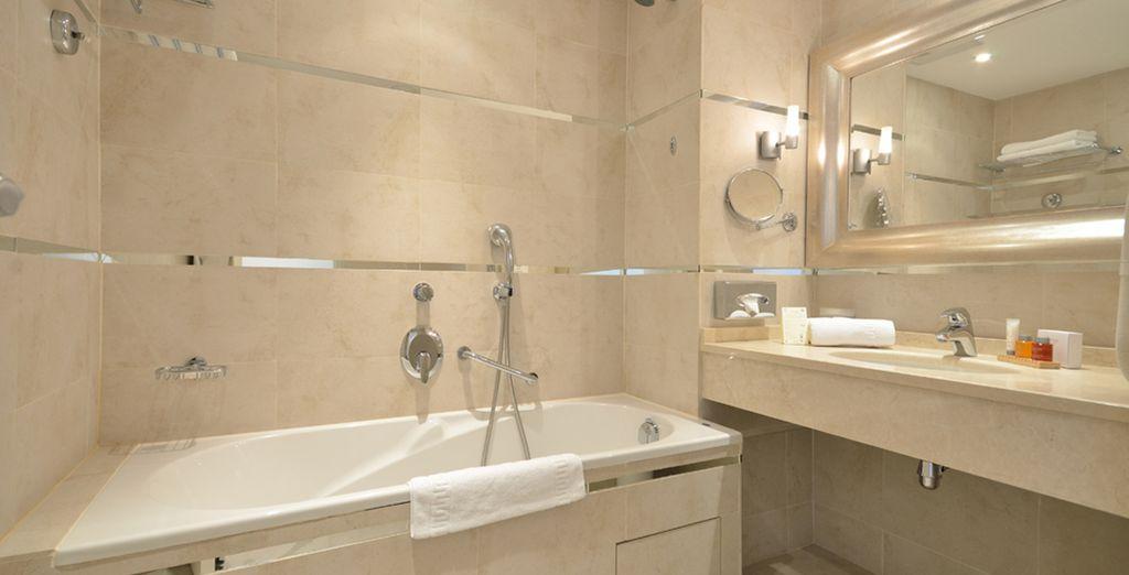 Compleet met een goed uitgeruste badkamer