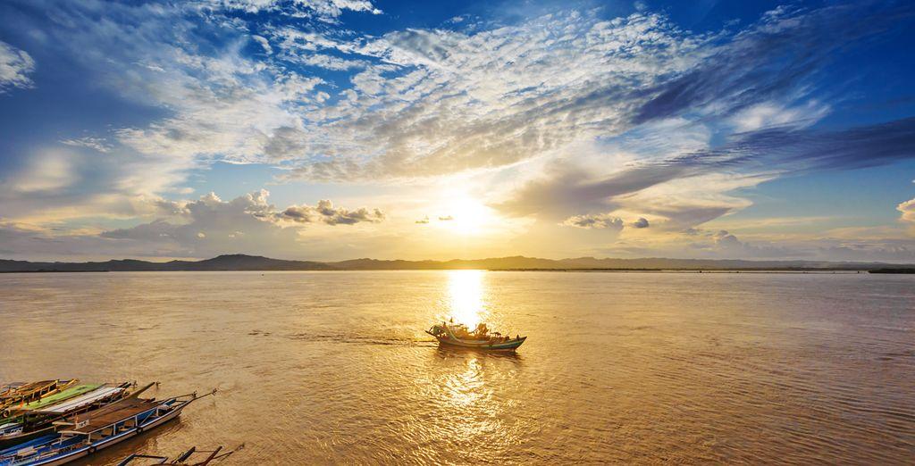 Vaar over de Irrawaddy rivier tijdens een cruise