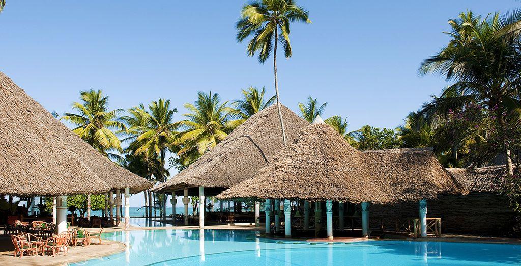 Vervolgens gaat u richting het Neptune Village Beach Resort 4*
