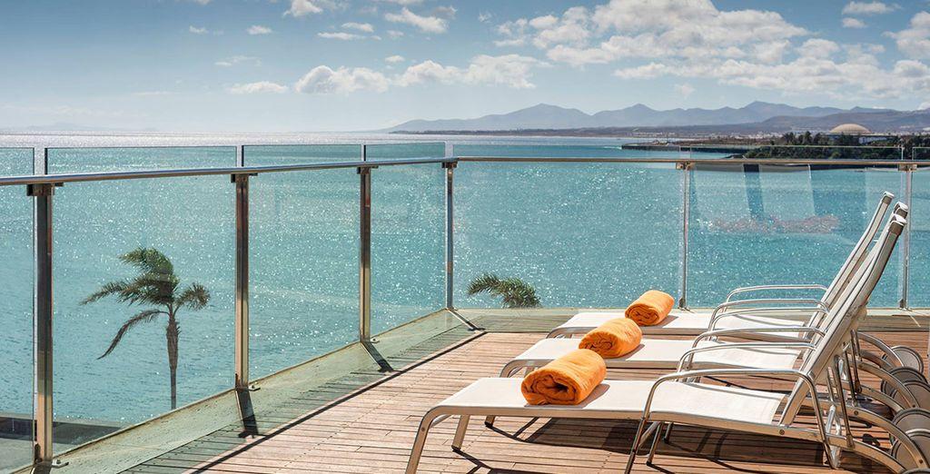 Welkom in het mooie 5* Arrecife Gran Hotel, aan het strand