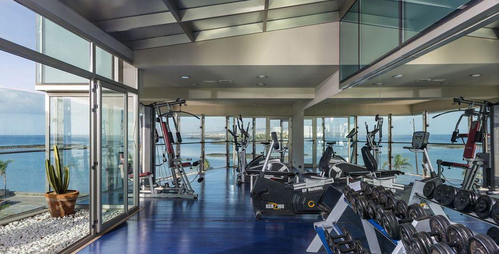 Of ga sporten in de fitnessruimte