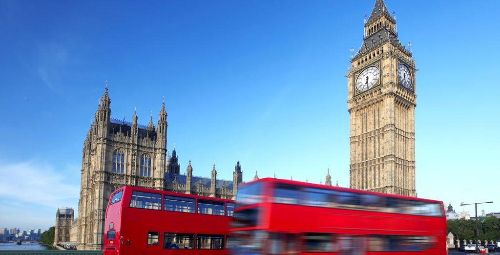 Stap in een van de befaamde bussen van Londen