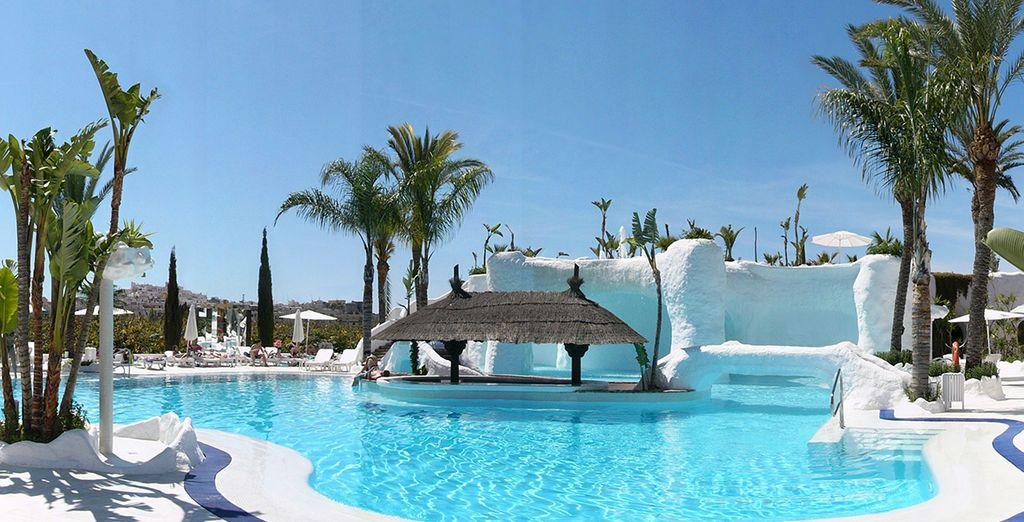 Aan de Costa Granadina wacht er een luxe accommodatie op u...