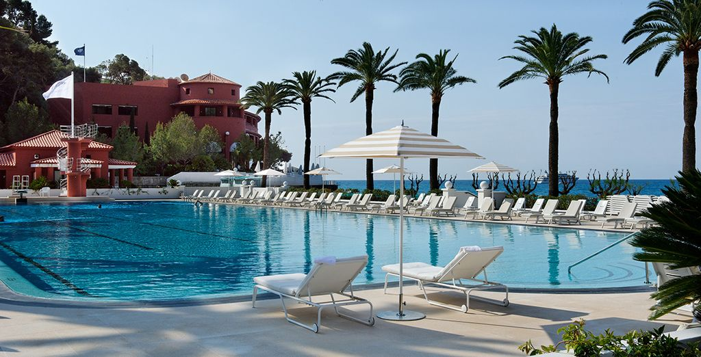 Welcome to Monte Carlo Beach Hotel