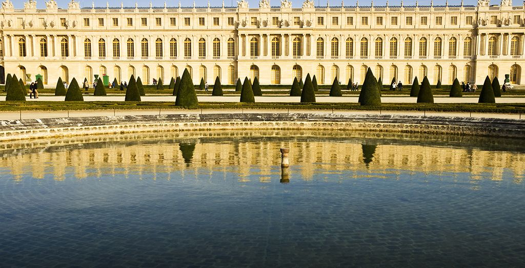 Discover majestic Versailles with ease
