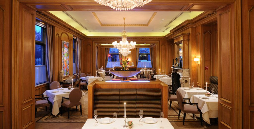 Home to a gourmet restaurant with 2 * Michelin