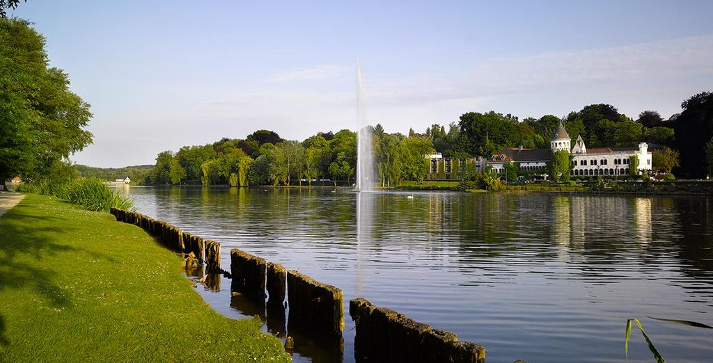 Succumb to the charm of Genval Lake ...