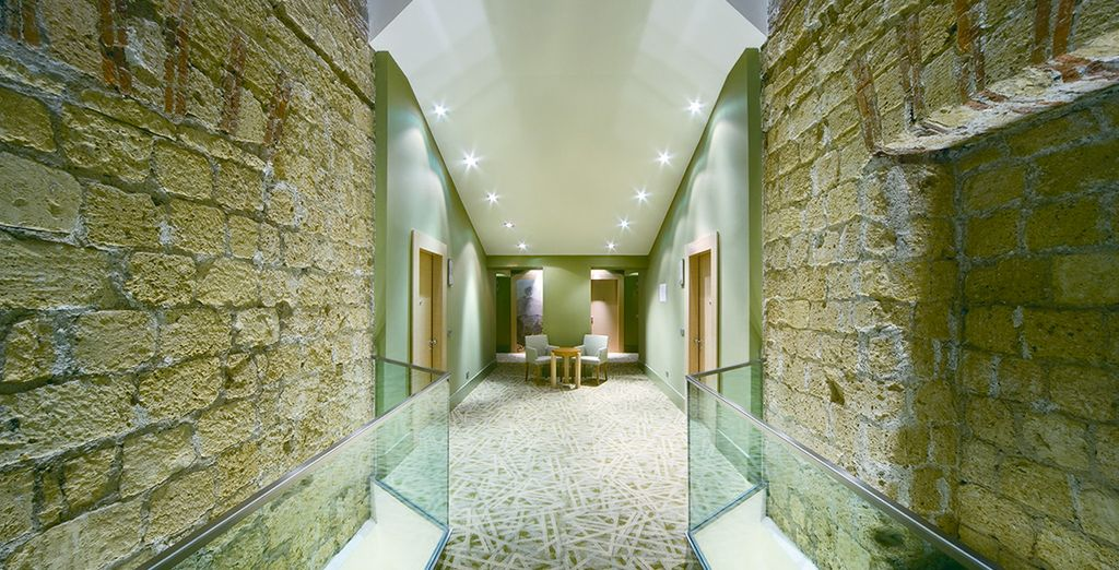 Where you will find striking contemporary design... - Hotel UNA Napoli 4* Naples
