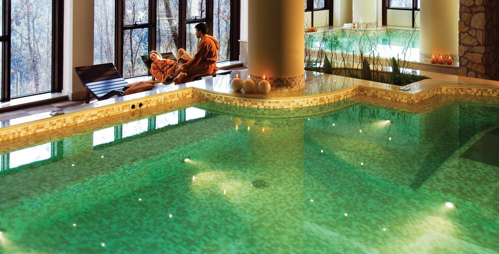 Envelop yourself in the thermal water