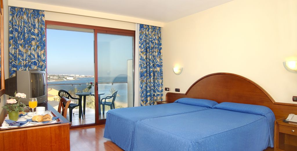 On the spot we have reserved a sea view room
