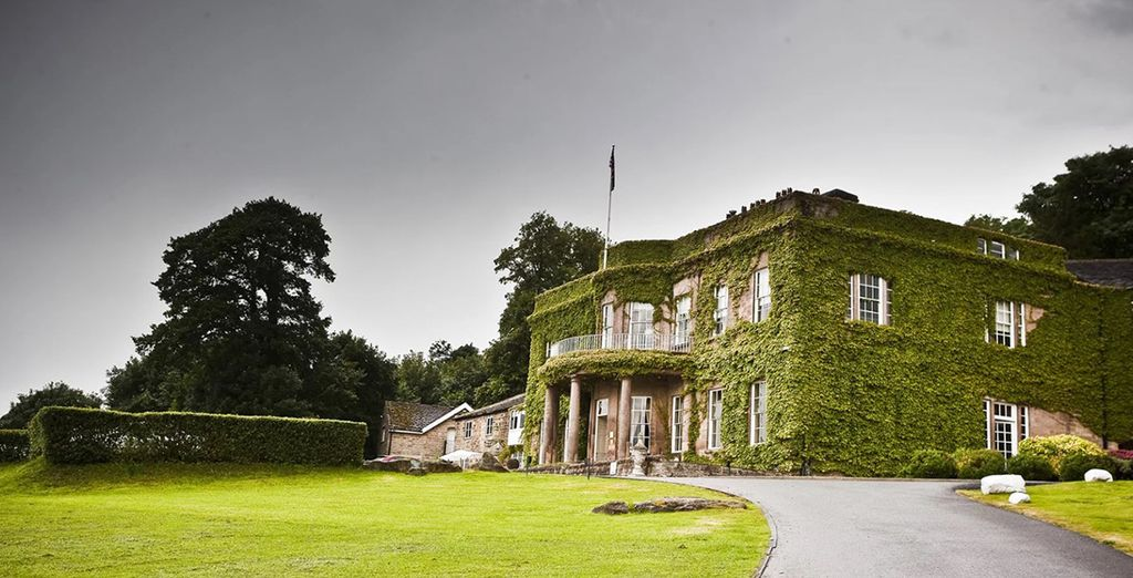 At a stunning 18th century Georgian country-house hotel - Wood Hall Hotel 4* Wetherby