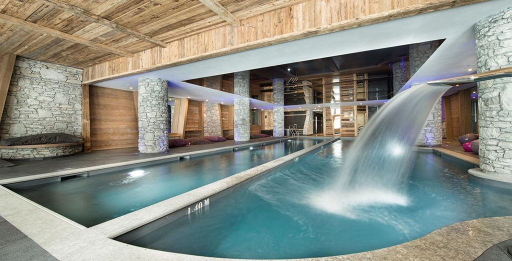 Leisure facilities include a pool and spa