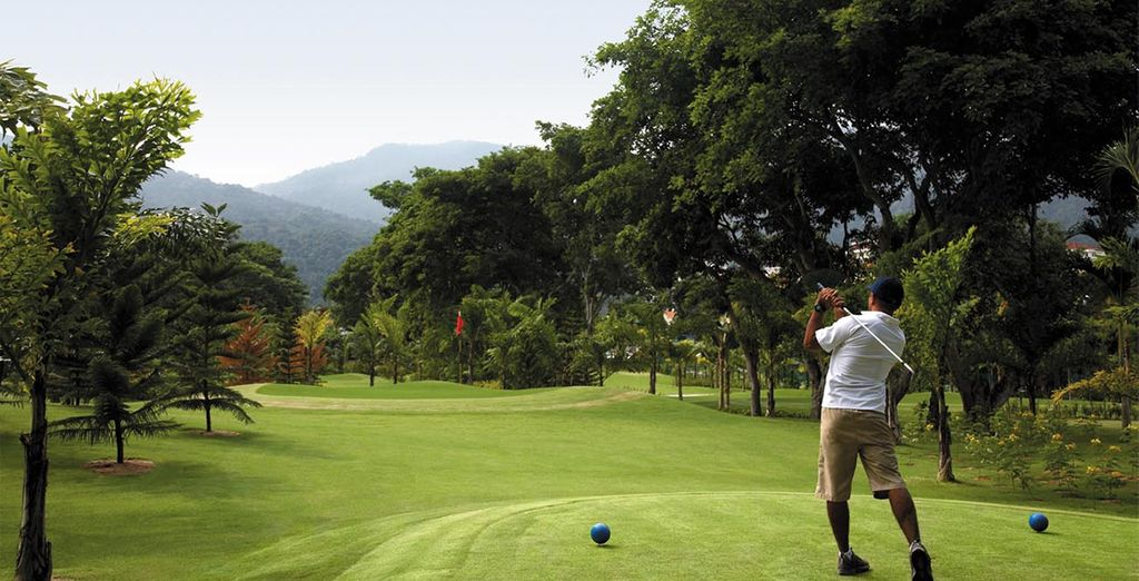 Practise your swing in spectacular surroundings....